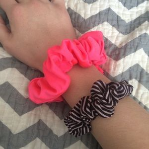 bundle of two scrunchies